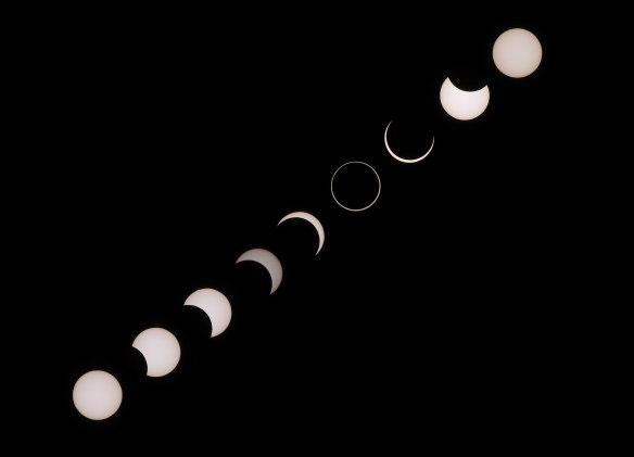 2560px-Eclipse_20160901_Composition